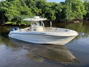 Used Hydra-Sports 2900 CC Saltwater Fishing Boat For Sale