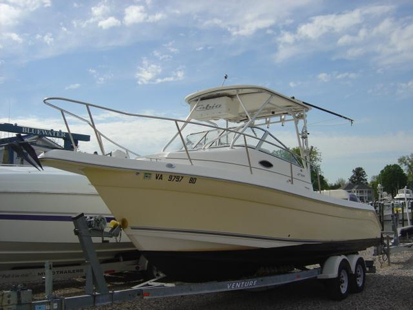 Used Cobia 270 Walk-Around w/225 Yamahas Sports Fishing Boat For Sale
