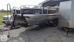 Used Sun Tracker 20 DLX Fishing Barge Pontoon Boat For Sale