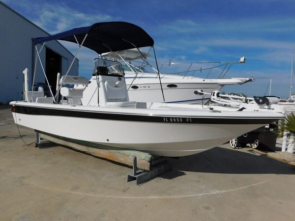 Used Sea Hunt XP 21 Center Console Fishing Boat For Sale
