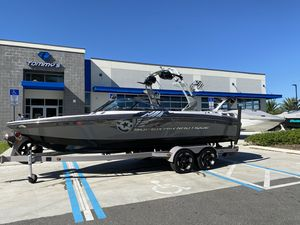 Used Nautique 230 Super Air Nautique Ski and Wakeboard Boat For Sale