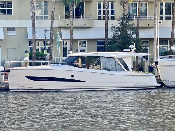 New Greenline 39 Hybrid Motor Yacht For Sale