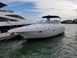 Used Cruisers Yachts 3575 Esprit Express Cruiser Boat For Sale
