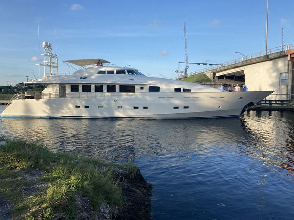 Used Evolve Angele Motor Yacht For Sale