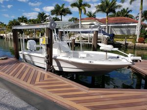 Used Seahunter 24 Crossover Center Console Fishing Boat For Sale