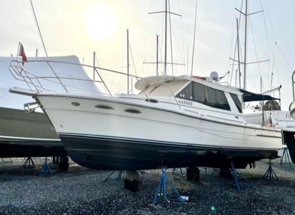 Used Cutwater 30 Sedan LE Cruiser Boat For Sale