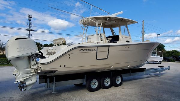 Used Cobia 344 Center Console Center Console Fishing Boat For Sale