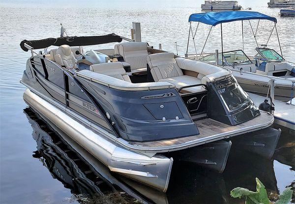 Used Crest Savannah 250 NX SLR2 Pontoon Boat For Sale