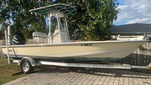 Used Pathfinder 2200 Tournament Edition with Trailer Center Console Fishing Boat For Sale