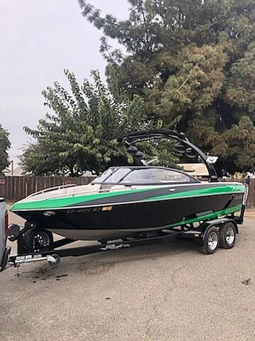 Used Malibu VLX 21 Ski and Wakeboard Boat For Sale