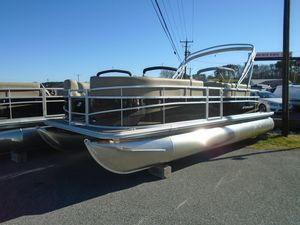 New Starcraft LX 22 F Pontoon Boat For Sale