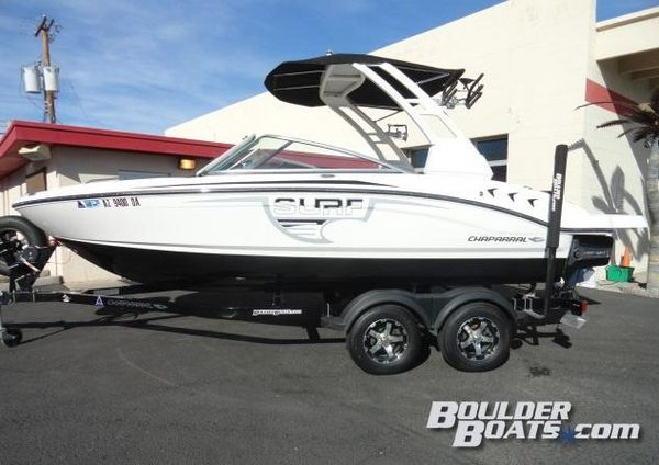 Used Chaparral 21 H2O Surf Ski and Wakeboard Boat For Sale