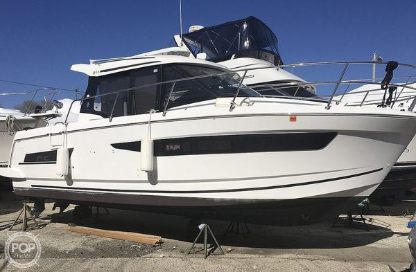 Used Jeanneau NC 895 Express Cruiser Boat For Sale