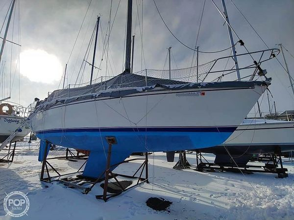 Used Catalina C36 Mark I Sloop Sailboat For Sale
