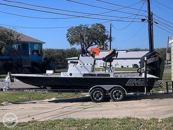 New Majek M2 Illusion Bay Boat For Sale