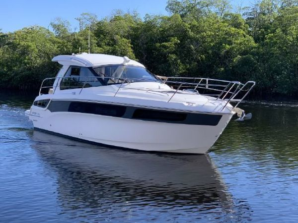 Used Bavaria SPORT 360 COUPE Motor Yacht For Sale