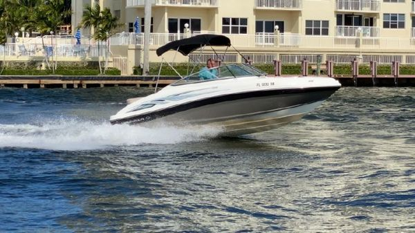 Used Rinker 196 Captiva Motor Yacht For Sale