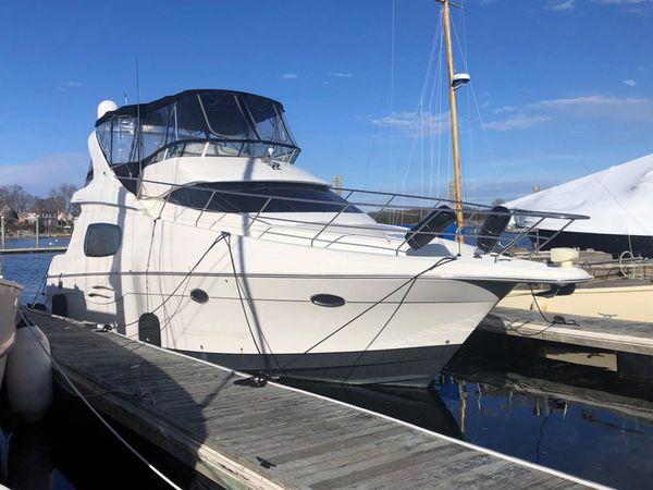 Used Silverton 410 Sport Bridge Sports Cruiser Boat For Sale