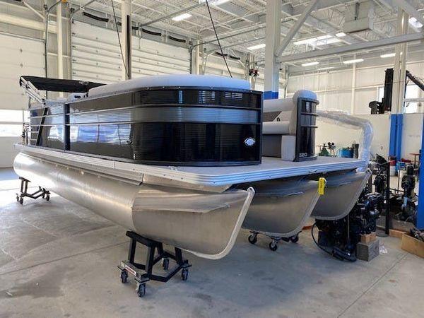 New Crest CL LX 220SLC Pontoon Boat For Sale