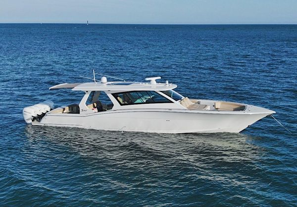 Used Scout 530 LFX Sports Fishing Boat For Sale