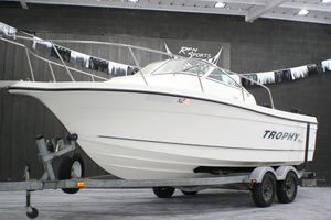 Used Trophy WA 2102 Walkaround Fishing Boat For Sale