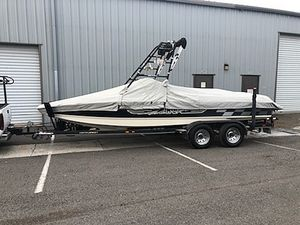 Used Centurion Eclipse V DrIve Ski and Wakeboard Boat For Sale
