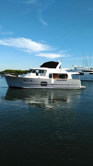 Used Beneteau 52 Motor Yacht For Sale
