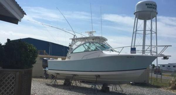 Used Regulator 30 Express Sports Fishing Boat For Sale
