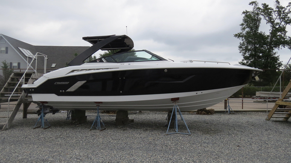 New Cruisers Sport Series 338 CX Cruiser Boat For Sale
