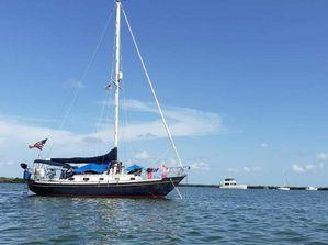 Used Pacific Seacraft crealock 34 Cruiser Sailboat For Sale