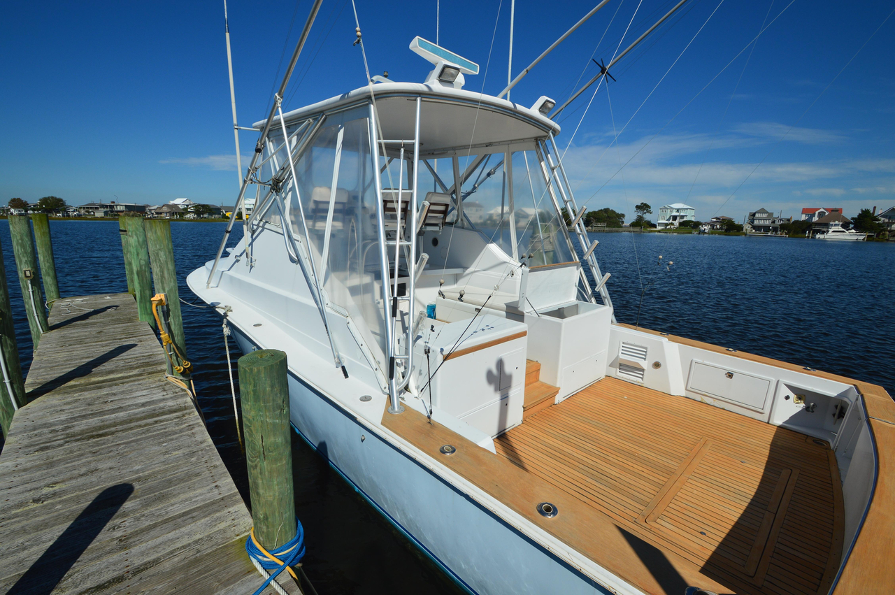 1992 used dawson yachts 38 express saltwater fishing boat for Used fishing boats for sale in eastern nc