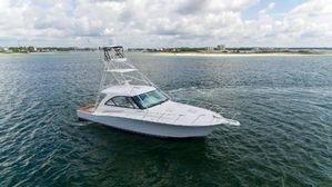 New Hatteras GT45 Express Cruiser Boat For Sale