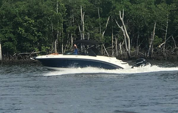 Used Sea Ray SDX 270 Outboard Deck Boat For Sale