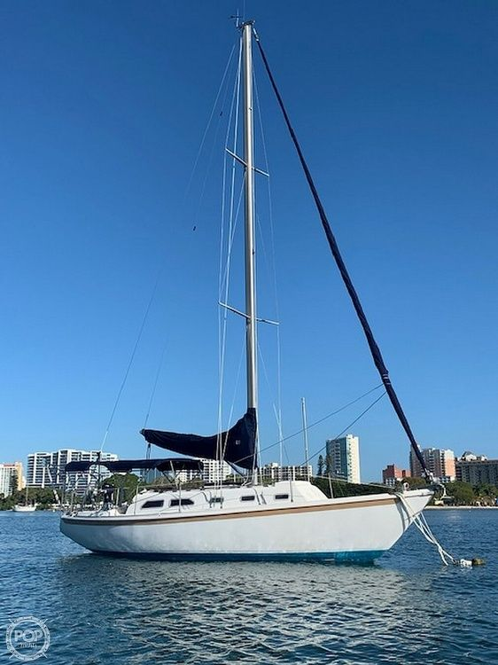 Used Ericson Yachts 32-2 Racer and Cruiser Sailboat For Sale