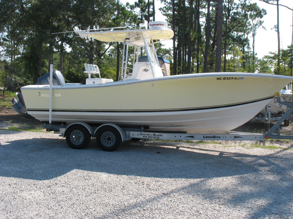 2004 used regulator center console fishing boat for sale for Used fishing boats for sale in eastern nc