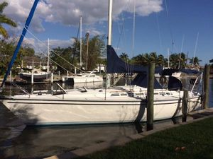 Used Hunter Legend Racer and Cruiser Sailboat For Sale