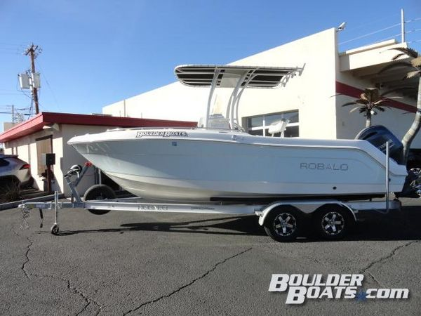 Used Robalo R222 Freshwater Fishing Boat For Sale