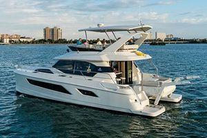 Used Aquila 44 Mega Yacht For Sale