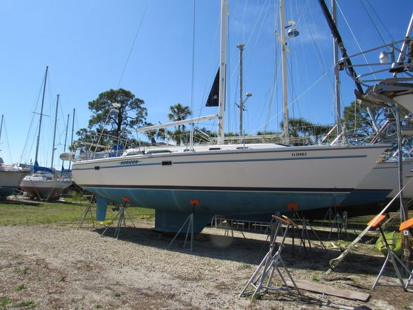Used Catalina Mark II Racer and Cruiser Sailboat For Sale