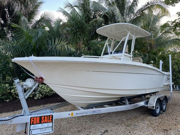 Used Scout 215 XSF Center Console Fishing Boat For Sale