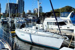 Used Hunter 35 Legend Sloop Sailboat For Sale