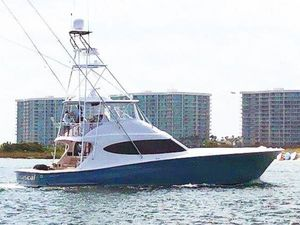 New Hatteras Carolina Series GT59 Express Cruiser Boat For Sale