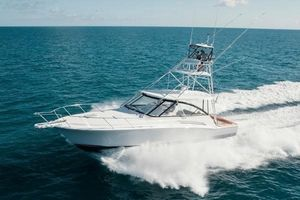 New Hatteras Express Cruiser Boat For Sale