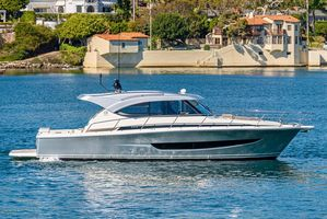 Used Riviera 395 SUV Express Cruiser Boat For Sale