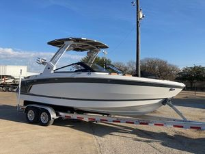 New Cobalt R6 Surf Bowrider Boat For Sale