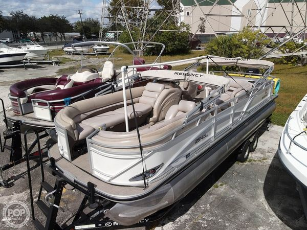 Used Regency 254 DL3 Pontoon Boat For Sale