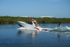 New Cobalt R5 Surf Bowrider Boat For Sale