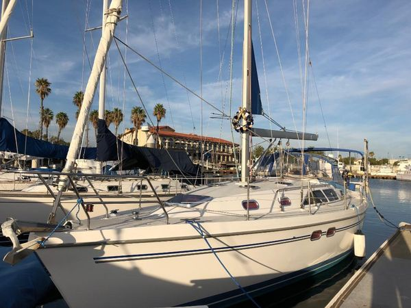 Used Catalina 387 Racer and Cruiser Sailboat For Sale