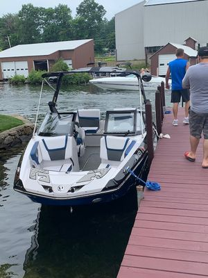 Used Scarab 215 ID High Performance Boat For Sale