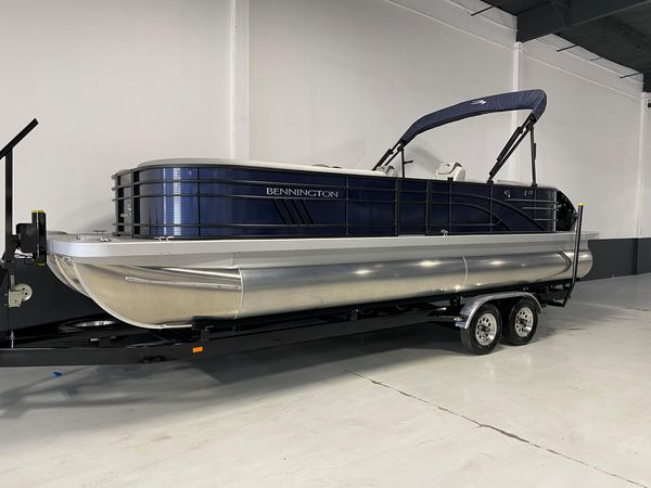 New Bennington 25 LSR Pontoon Boat For Sale